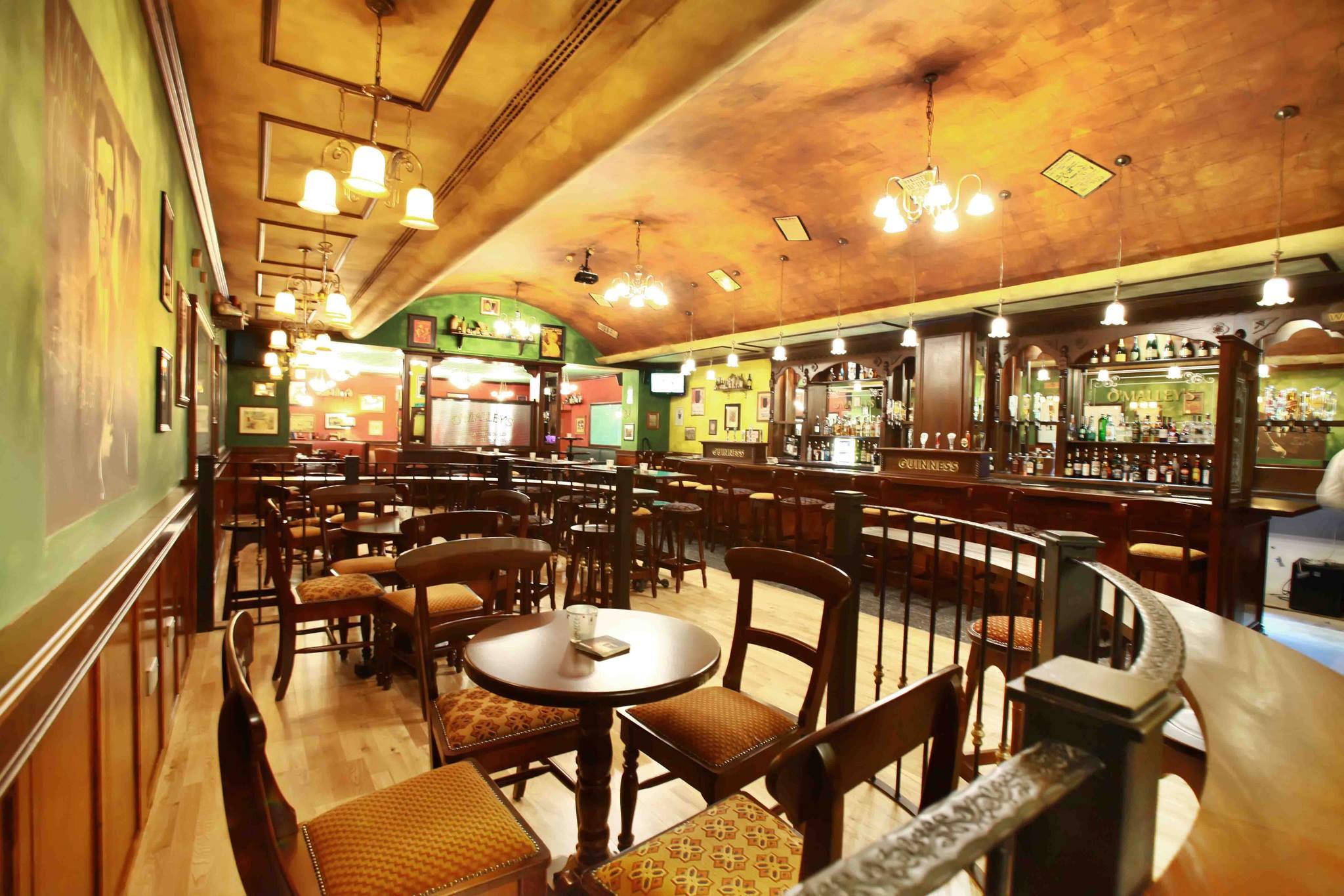 radisson blu muscat ol irish pubs irish pub company and irish pub design ol irish pubs. Black Bedroom Furniture Sets. Home Design Ideas