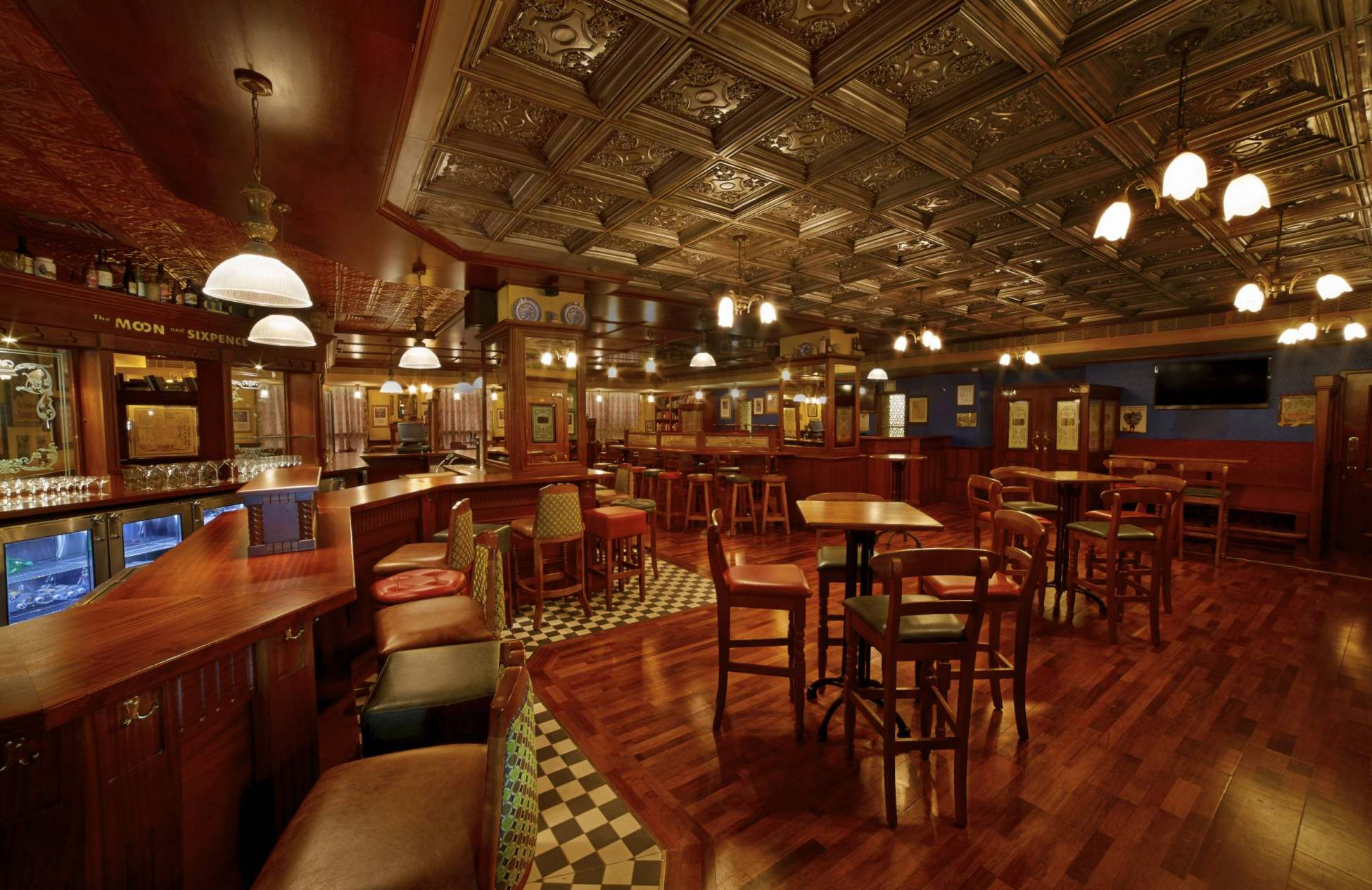 irish pub builder ol irish pubs irish pub company and irish pub design ol irish pubs. Black Bedroom Furniture Sets. Home Design Ideas