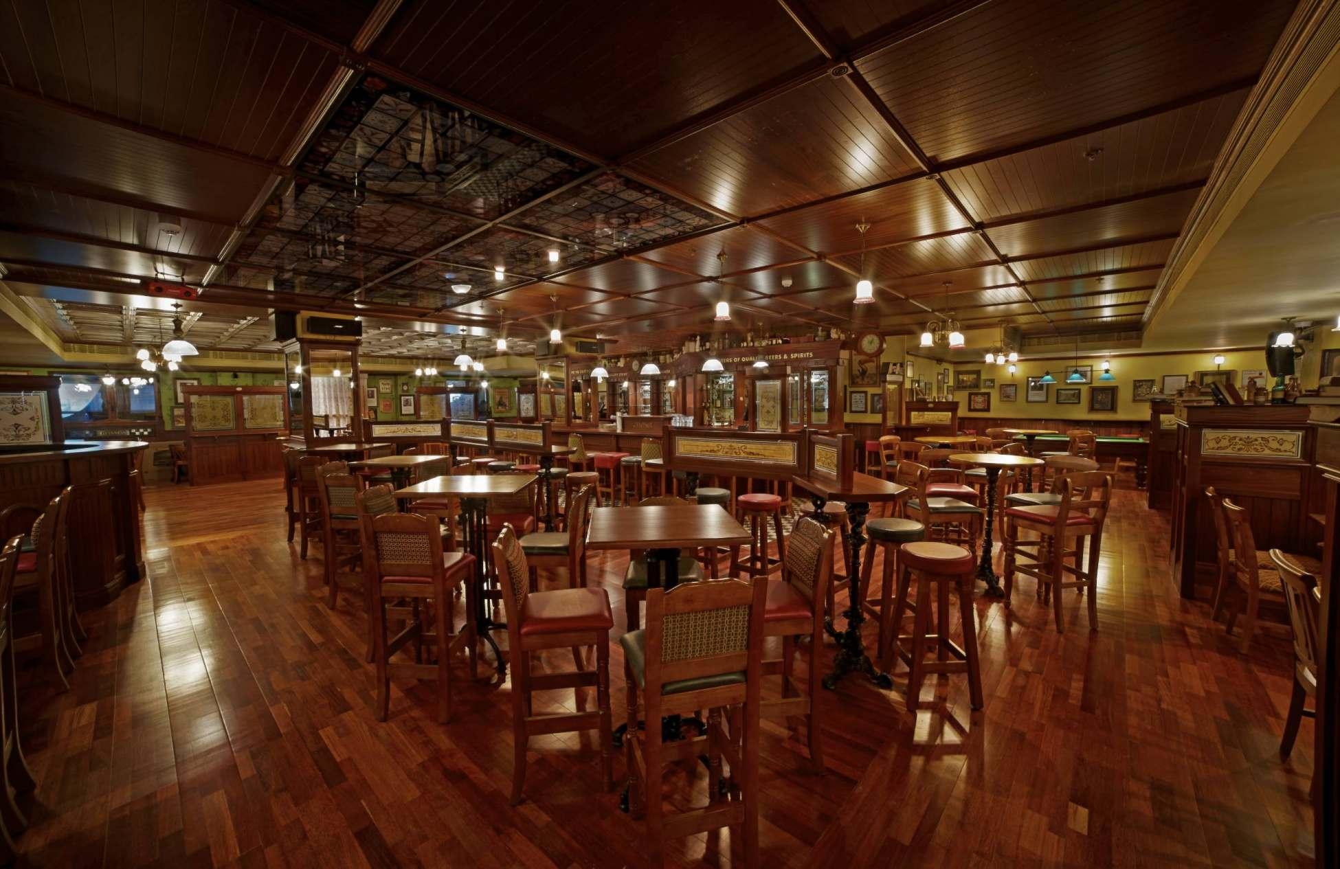 pub builders india ol irish pubs irish pub company and irish pub design ol irish pubs. Black Bedroom Furniture Sets. Home Design Ideas